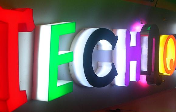 Chữ nổi gắn LED
